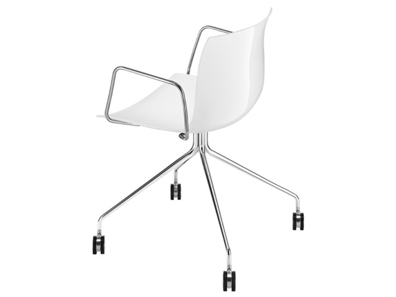 Trestle-based chair with armrests with casters CATIFA 53 | Chair with armrests - Arper