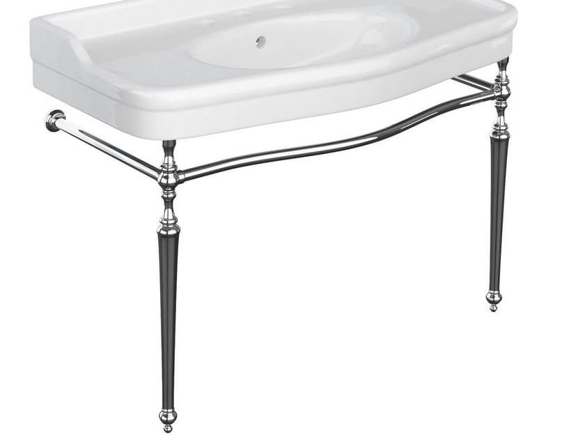 Classic style ceramic washbasin