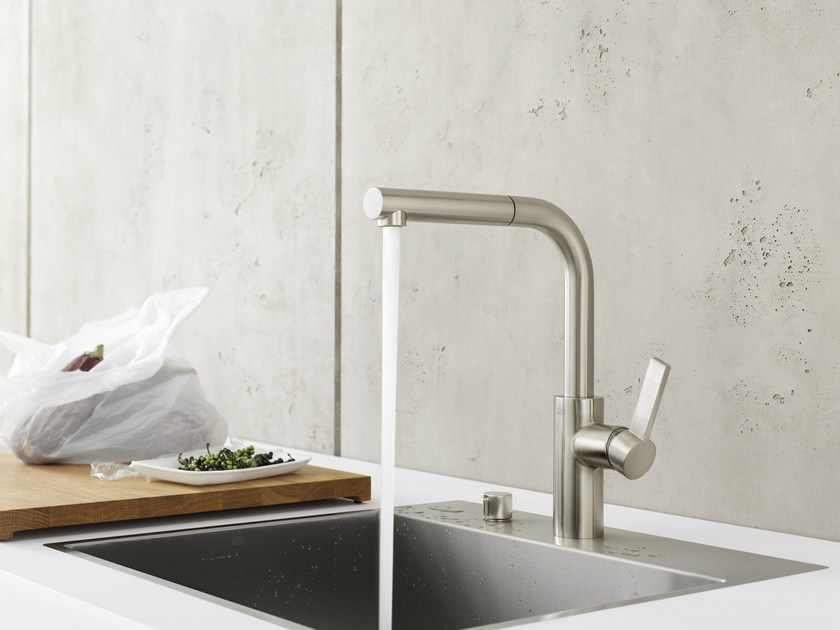 Kitchen mixer tap with pull out spray