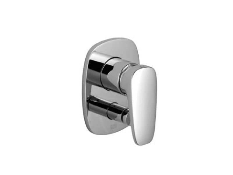 Single handle shower mixer