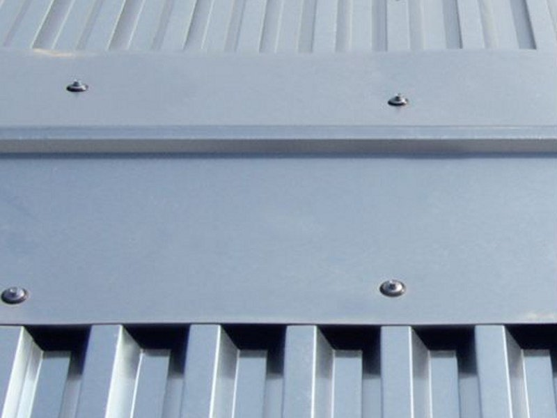 Metal sheet and panel for roof