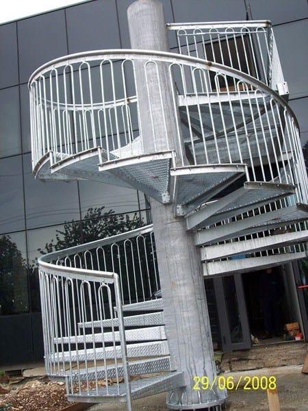 Scala di sicurezza metallica a chiocciola scala a - Normativa barandillas exteriores ...