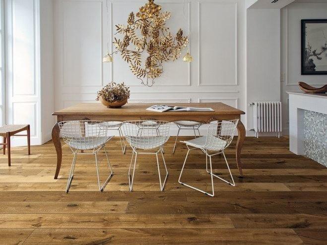 Parquet in rovere kalika woodco for Case moderne con parquet