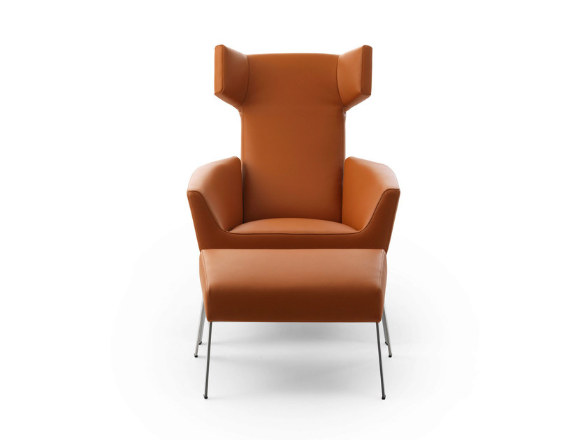 Leather wingchair with footstool - Poltrona a orecchioni in pelle - Poltrona a orecchioni imbottita