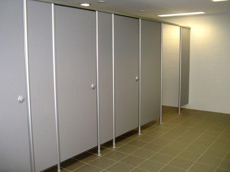 Parete divisoria per bagni in hpl vk13 erwil - Porte per bagni ...