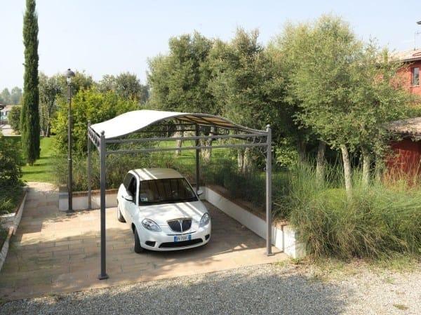 Pensilina in ferro per posto auto pergola per auto cagis for Kit per posto auto coperto