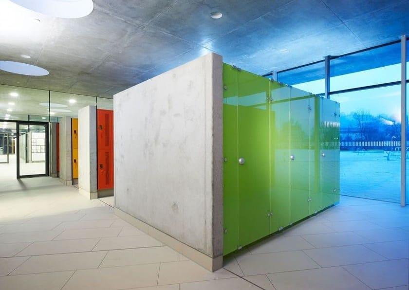 Parete divisoria per bagni in vetro temperato VITRUM By ERWIL