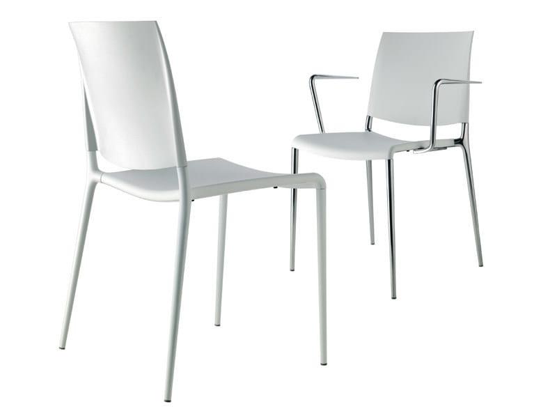 Stackable polypropylene chair - Sedia impilabile in polipropilene