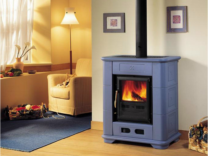 Wood-burning faïence stove E903 M | Wood-burning stove by Piazzetta