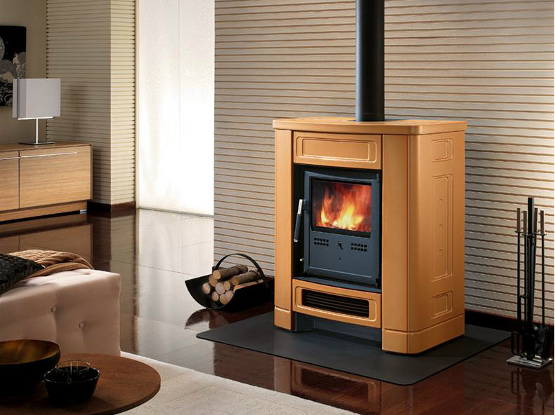 Wood-burning faïence stove E903 S | Wood-burning stove by Piazzetta