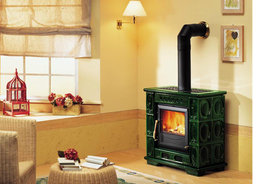 Wood-burning faïence stove E904 K | Wood-burning stove by Piazzetta