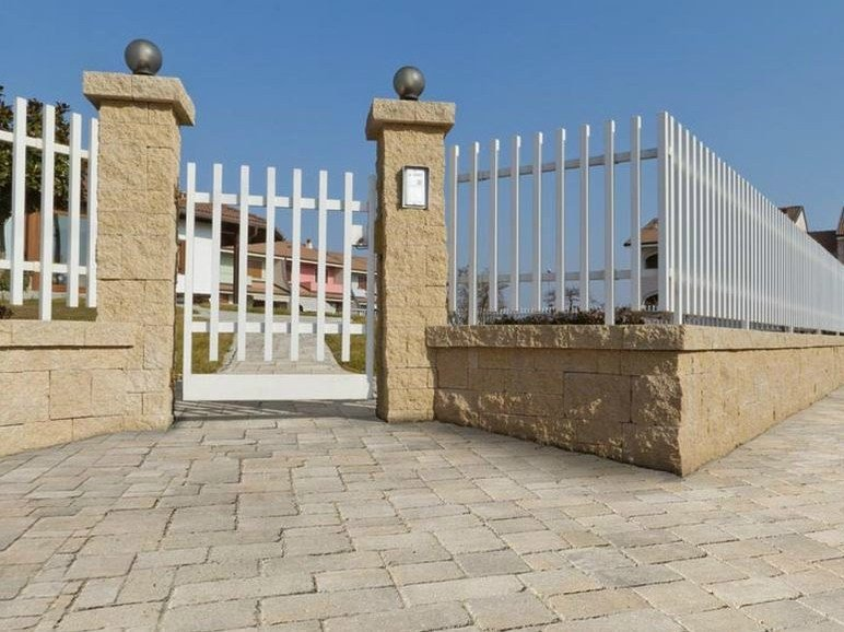 Concrete element for perimeter enclosure MURO ANTICO by FERRARI BK