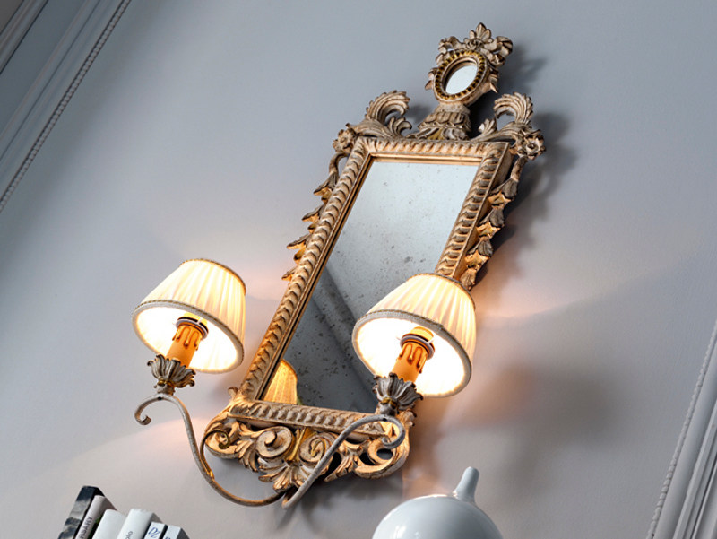 Classic style wall lamp