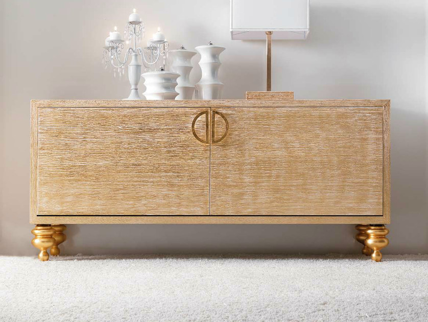 """Wooden sideboard with doors - Madia in legno con ante - rovere sabbiato foglia oro """"Carrara"""" con maniglie foglia oro lucido e piedi foglia oro lucido"""