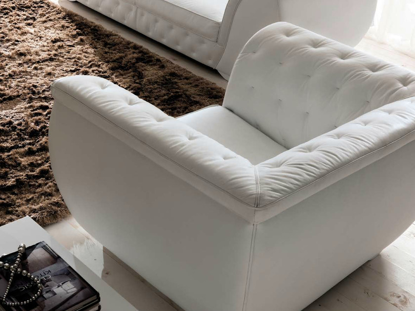 Leather armchair with armrests LAPO-QUILT by CorteZari