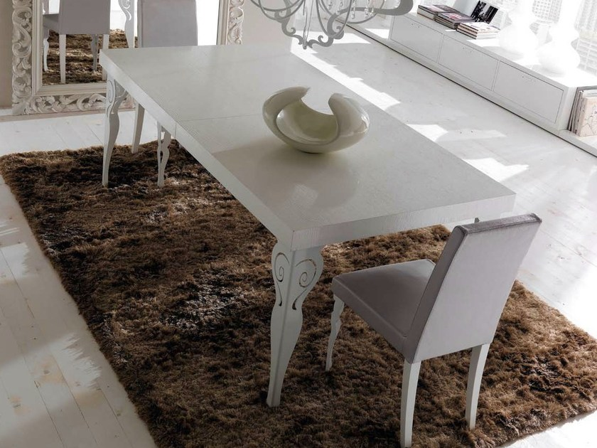 """""""sablè"""" sandblasted oak top with glossy white iron legs"""