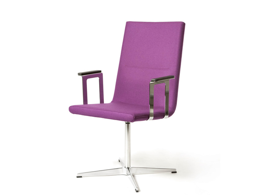 High-back chair with 4-spoke base