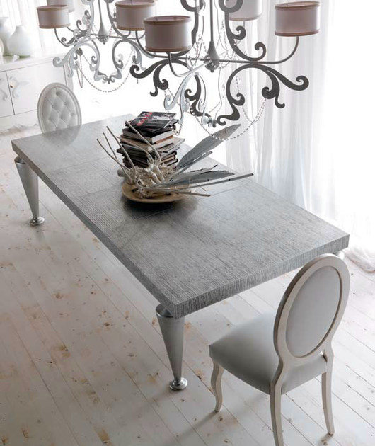 """Carrara"" silver leaf top cat. F glossy silver leaf legs"