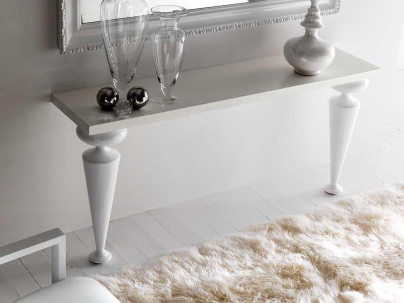 "Glossy white legs cat C ""sablé"" sandblasted oak top"