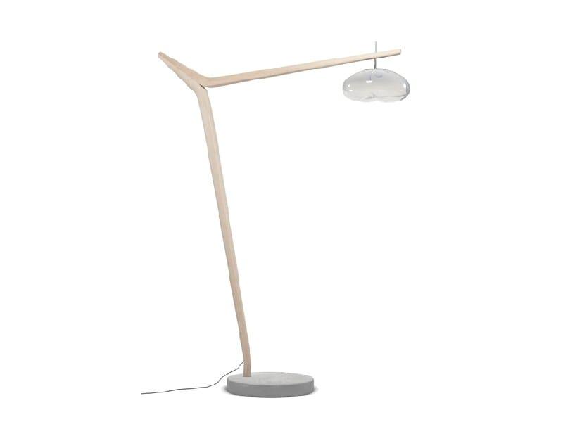 lampada da terra in legno massello ciconia by marcel by design stephan lanez. Black Bedroom Furniture Sets. Home Design Ideas