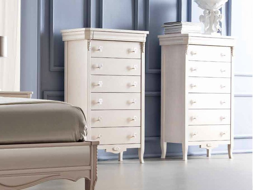 Free standing lacquered chest of drawers CLARA | Chest of drawers by CorteZari