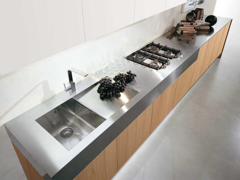 Cucina laccata lineare in rovere senza maniglie contempora - Cucina senza maniglie ...