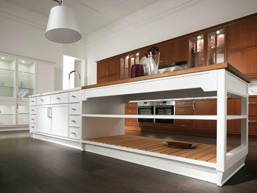 Walnut kitchen with handles - Cucina in noce con maniglie - Cucina in noce con isola