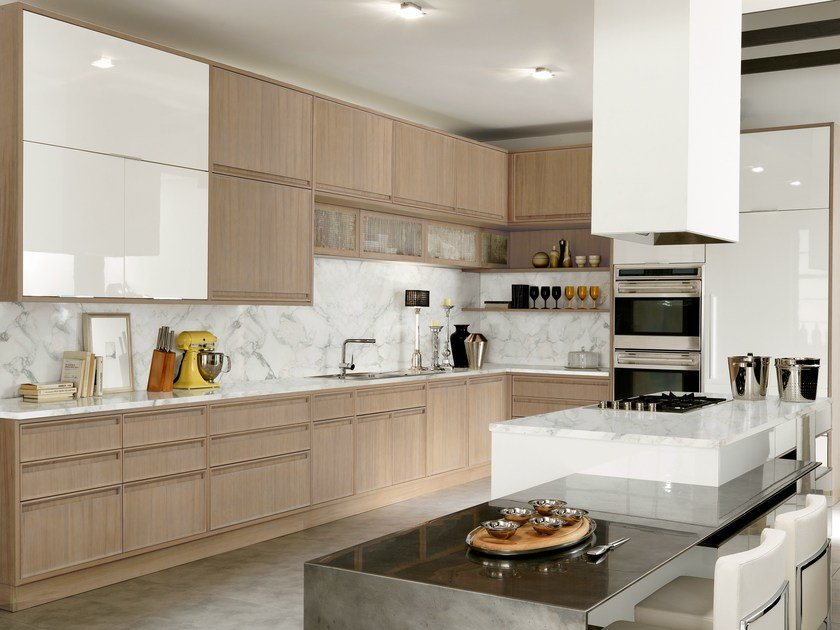 Lacquered kitchen with island with integrated handles TIMELINE | Wooden kitchen by Aster Cucine