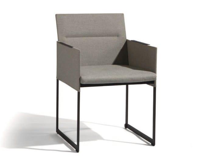 Sled base Batyline® garden chair with armrests SQUAT | Garden chair - MANUTTI