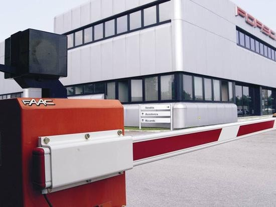 Automatic barrier Barriere automatiche FAAC - FAAC Soc. Unipersonale