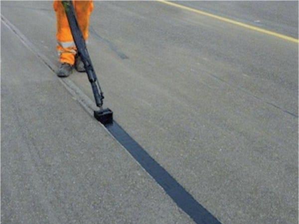 Bitumen and bituminous binder ULTRASEAL - M.A.GE. modern asphalt generation