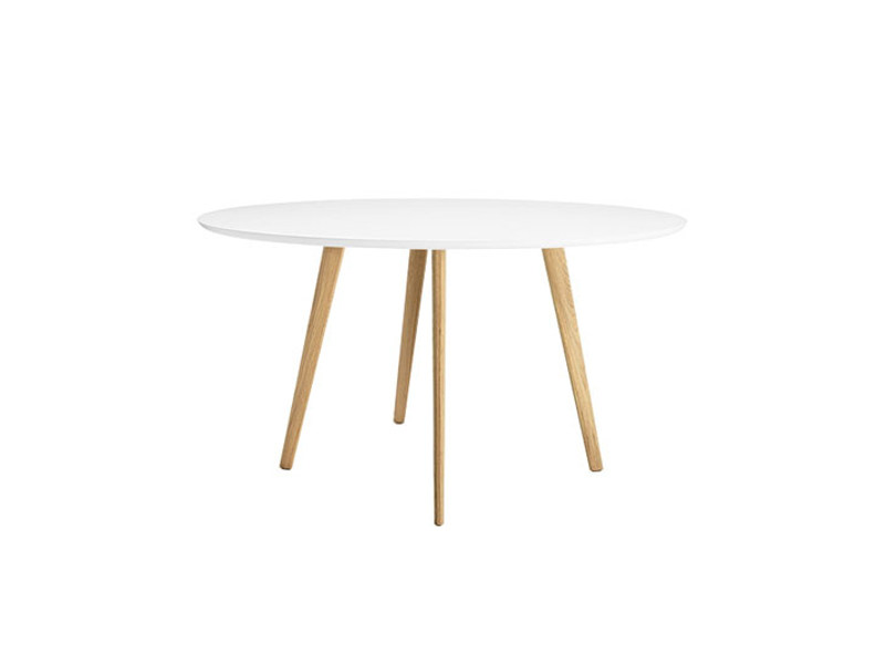 Round wooden table GHER | Round table by arper