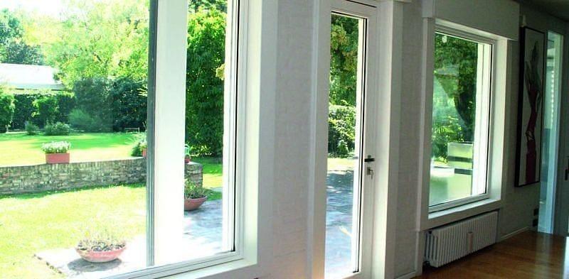 Finestra a taglio termico con doppio vetro in alluminio e legno 80 iwood aluk group - Finestre in legno con doppio vetro ...