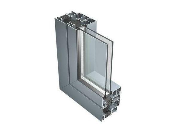 Finestra a taglio termico con doppio vetro in alluminio 67iw aluk group - Finestre in legno con doppio vetro ...