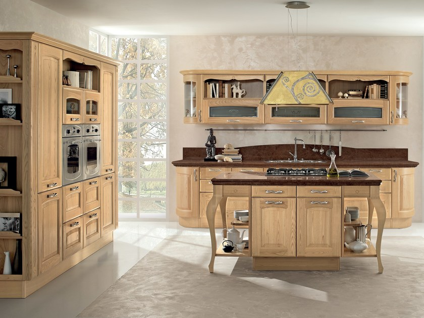 Chestnut kitchen with island VERONICA | Wooden kitchen by Cucine Lube