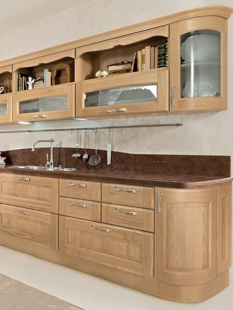 Cucina in castagno con isola veronica cucina in legno for Cuisine imitation bois