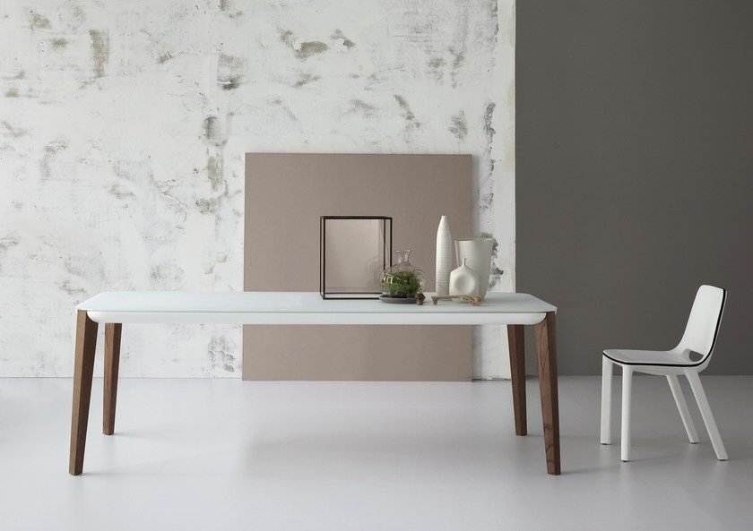 Extending rectangular table MATCH by Bonaldo