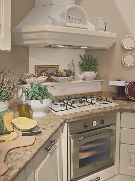 Cucina in legno con maniglie laura cucina in legno for Maniglie cucina lube