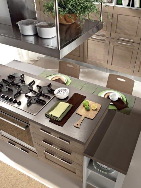 Cucina in legno con isola gallery cucina cucine lube - Cucine moderne con isola lube ...