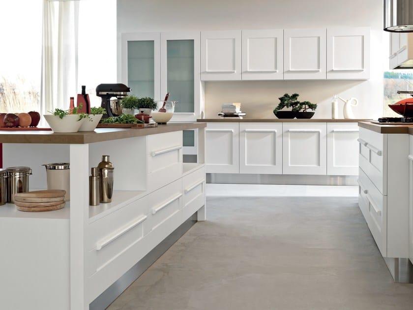 Cucina con isola con maniglie integrate GALLERY  Cucina con isola - Cucine Lube