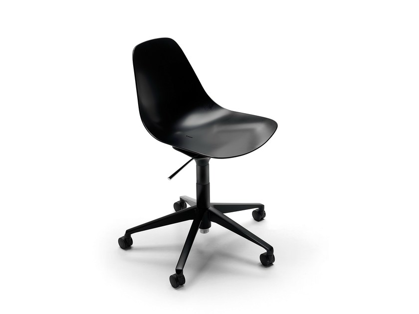 Task chair with 5-Spoke base with casters MAMMAMIA office by Opinion Ciatti