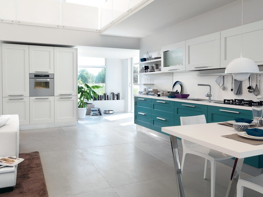 Cucina laccata con maniglie GALLERY  Cucina laccata - Cucine Lube