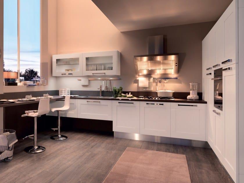 Cucina laccata in frassino con maniglie gallery cucina for Maniglie cucina lube