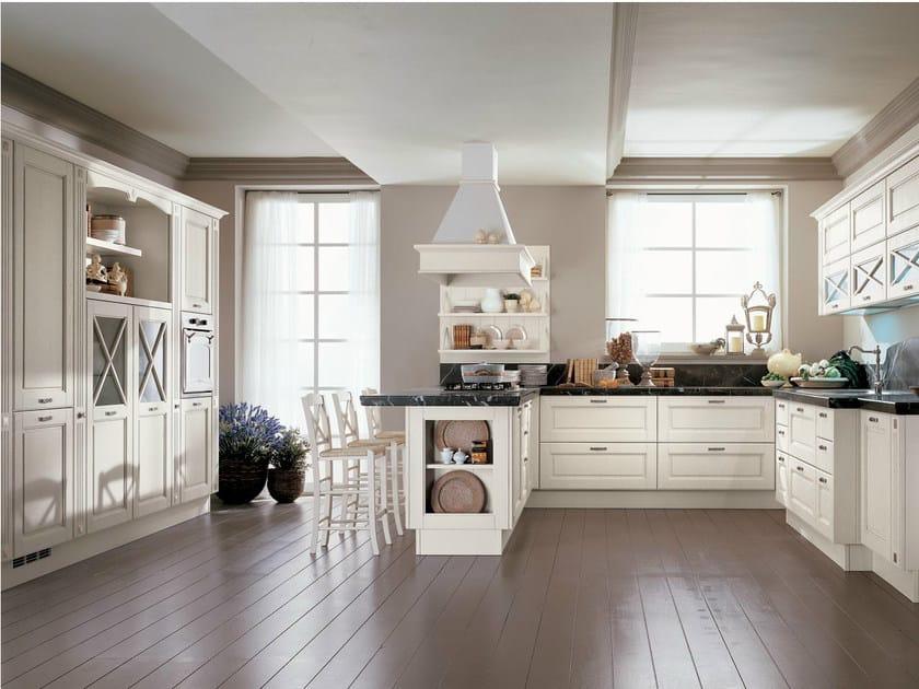 Cucina laccata in legno massello agnese cucina cucine lube - Cucina bianca e legno ...
