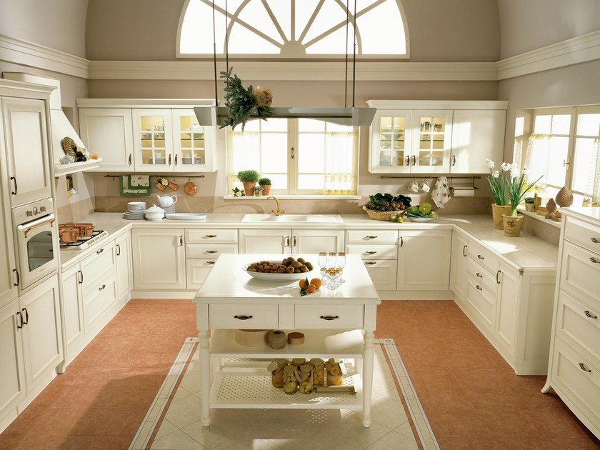 Lacquered wooden kitchen