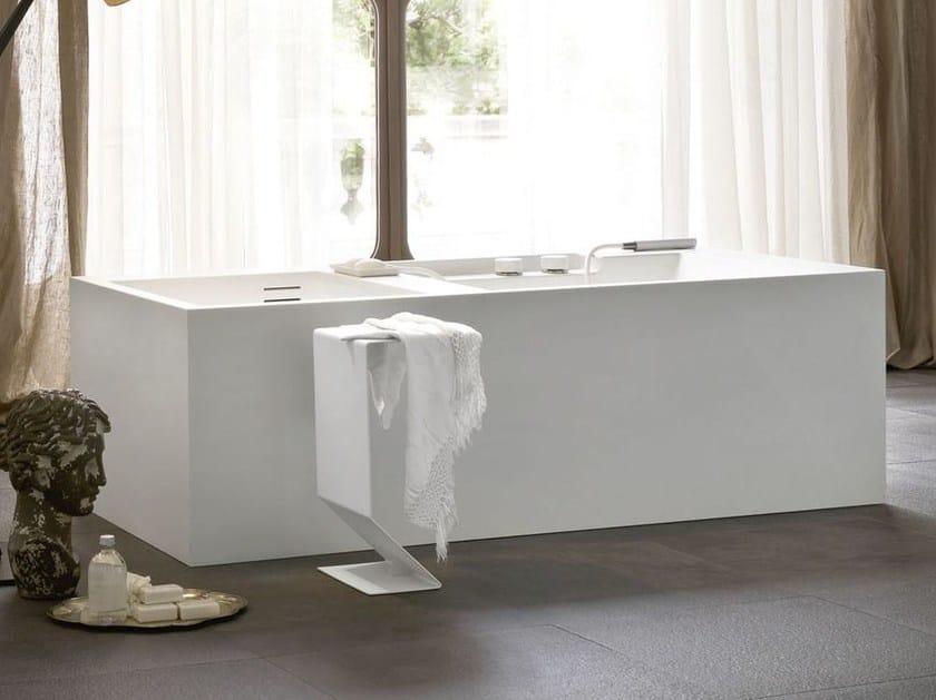 Vasca da bagno centro stanza in corian ergo nomic vasca for Vasca centro stanza