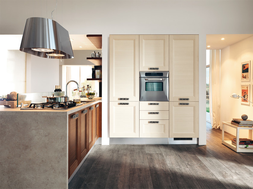 Solid wood fitted kitchen GEORGIA | Kitchen by Cucine Lube