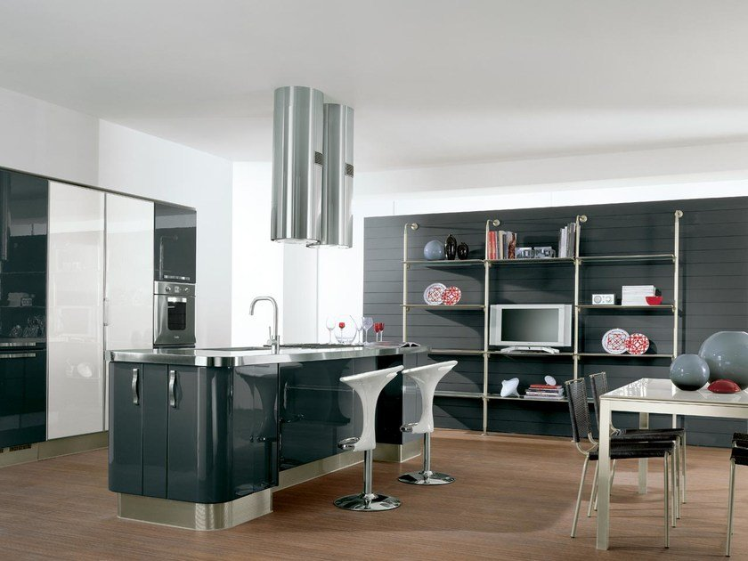 Fitted kitchen with island with handles