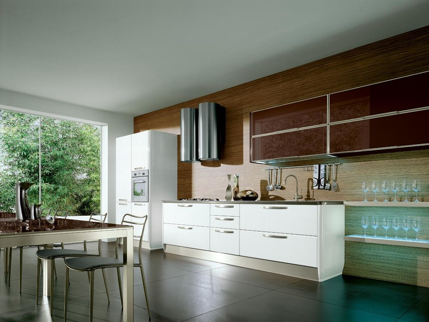Ergonomic fitted kitchen with handles KATIA | Wooden kitchen by Cucine Lube