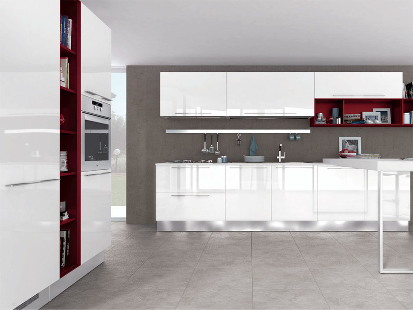 Lacquered wooden fitted kitchen with handles NOEMI | Kitchen with handles by Cucine Lube